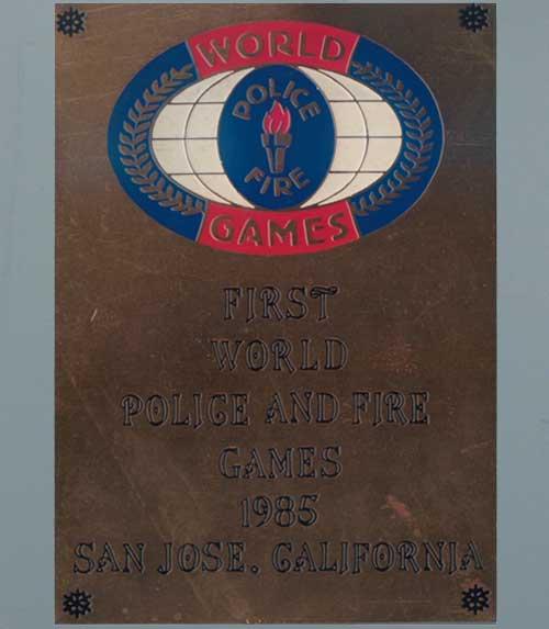 世界中の警察官と消防員のオリンピック World Police and Fire Games 1985 43種類のピンバッチ