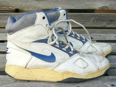 Used Sneaker/NIKE AIR FLIGHT