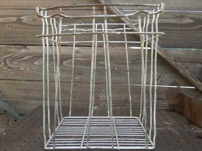 アンティーク物のメタル ワイヤ−製のバスケット、ビンテージ買物カゴ