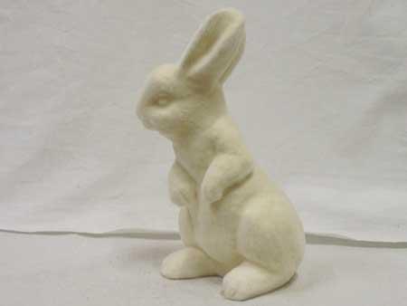 ふさふさのウサギの貯金箱